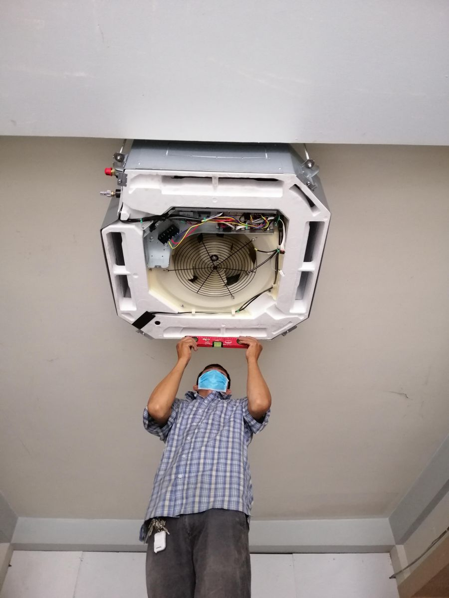 lắp máy lạnh âm trần