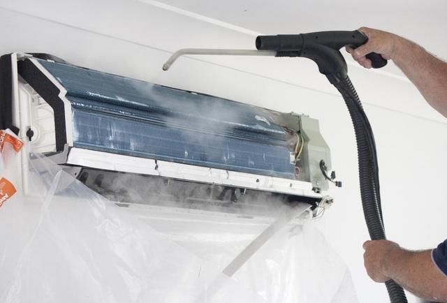 tại sao máy lạnh nhiễu nước
